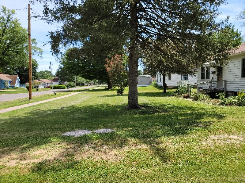 ONLINE Real Estate Auction 1622 Harrison St. Galesburg IL.
